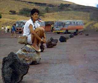 """Cleo Dorneles, aqui sentada numa pedra de vulcão em Masaya: """"Nunca senti medo de morrer"""" - Cleonice Dorneles (Arquivo pessoal)"""