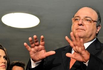 """Vaccarezza: """"Eu não defendo interesses de grandes empresas. Isso não merece crédito."""" (José Cruz/ABr)"""