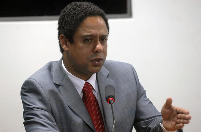Orlando Silva - O Dissonante dos esportes