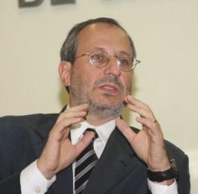 Para o promotor Maurício Lopes, o governo brasileiro revogará temporariamente vários direitos dos cidadãos durante a Copa