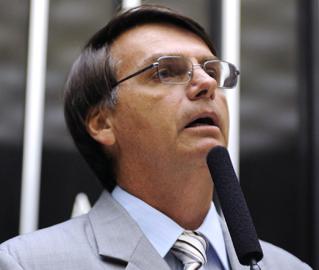 Em entrevista ao Congresso em Foco, Bolsonaro compara suas divergências com a esquerda e os homossexuais a uma guerra