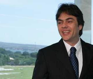 Cassio Cunha Lima entra na lista de candidatos impugnados com base na Lei da Ficha Limpa