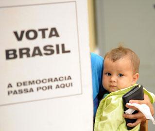 Os eleitores foram às urnas e não sabem o resultado da eleição. É mais do que hora do STF tomar a decisão que lhe cabe sobre a Lei da Ficha Limpa