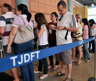 Eleitores votaram em 1.200 candidatos em todo o Brasil que estavam com registro indeferido pela Justiça Eleitoral