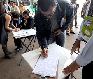 Projeto de iniciativa popular, que chegou a receber quase 2 milhões de assinaturas, é eleito pelos jornalistas a principal iniciativa legislativa do ano