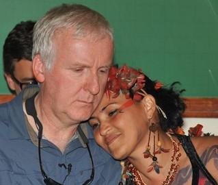 Apoio cinematográfico: James Cameron, diretor de Avatar, participa de protesto contra a construção da usina de Belo Monte