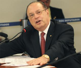 O mundo de Maluf: deputado enrolado com a Justiça diz que tem a ficha mais limpa do Brasil