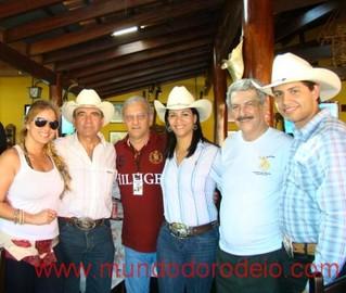 Tuma no resort de luxo, durante a Festa do Peão de Boiadeiro: mais de R$ 14 mil em diárias