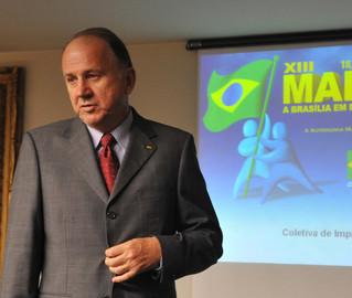 Paulo Ziulkoski comanda a marcha: prefeitos vão pressionar por mudanças nos royalties do pré-sal